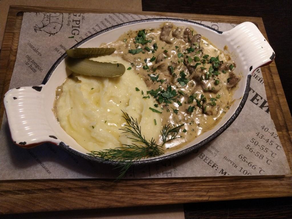 Не просто картошка с мясом  top 8 мест  где в Саранске можно попробовать бефстроганов befstroganov-big-pig