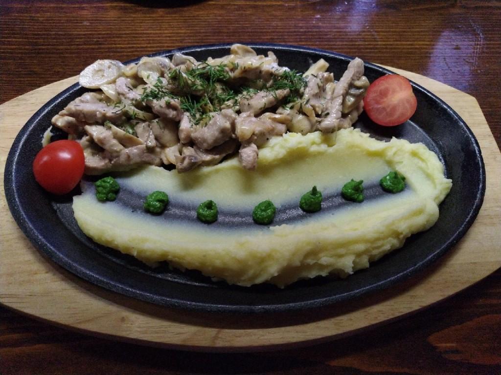Не просто картошка с мясом  top 8 мест  где в Саранске можно попробовать бефстроганов befstroganov-sammer-dzhem