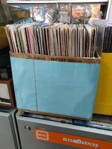 Ретроэстетика  где в Саранске купить   проигрыватель и виниловые пластинки    №4-3