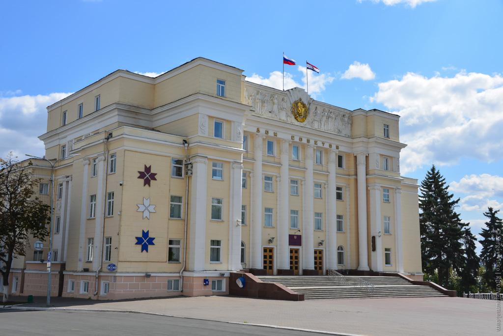 Экономический гид  сколько стоит Советская площадь дом-советов
