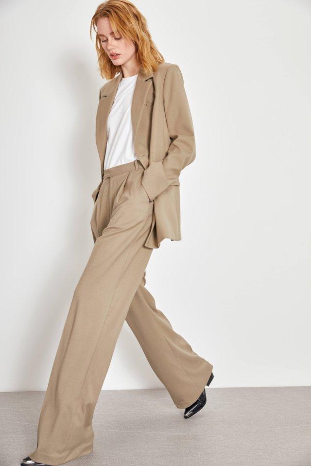 Что покупать в Интернете  30  вещей актуального гардероба лайм костюм