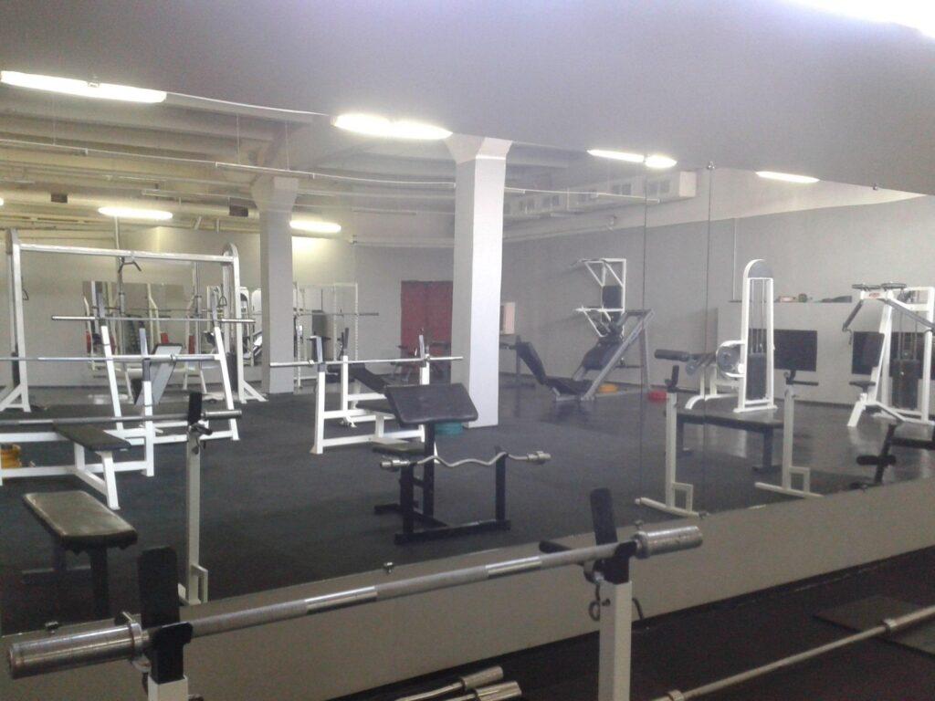 b Возвращение в ЗОЖ   b  какие фитнес клубы  бассейны и тренажёрные залы снова открылись для жителей города