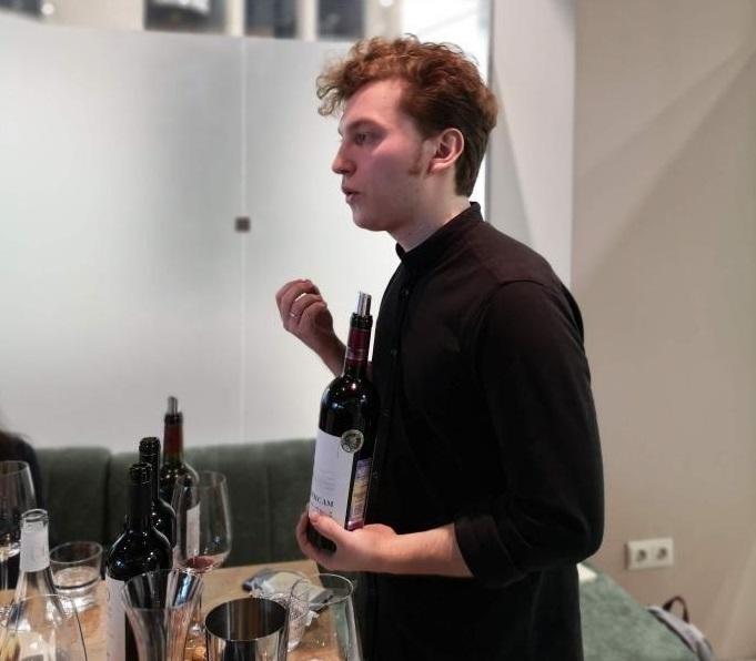 b Новогодняя ночь  а я без шампанского   b  топ 10 бутылок игристого вина  которые вы можете приобрести к новогоднему столу Елисей Маскайкин: