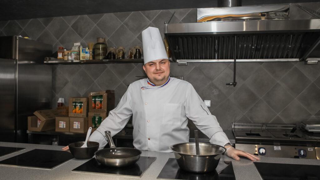 b  Шеф   это душа и сердце ресторана    b  интервью с Алексеем Маслениковым  новым шеф поваром ресторана  Панорама