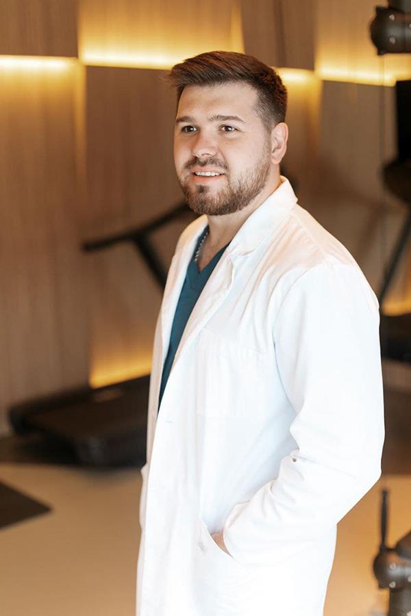 b Городские профессии   b  врач невролог