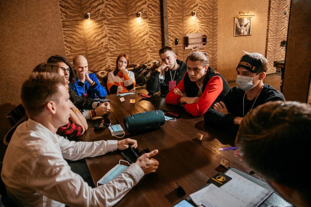 b Игра не в кальмара   b  где в Саранске можно собраться с друзьями и поиграть