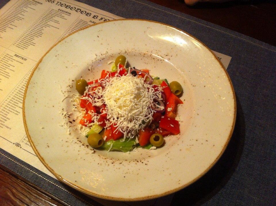 Делают nbsp ли   в nbsp Саранске    вкусный  b греческий салат  b  Барон Мюнхгаузен