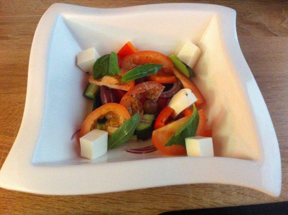 Делают nbsp ли   в nbsp Саранске    вкусный  b греческий салат  b  Ясуми