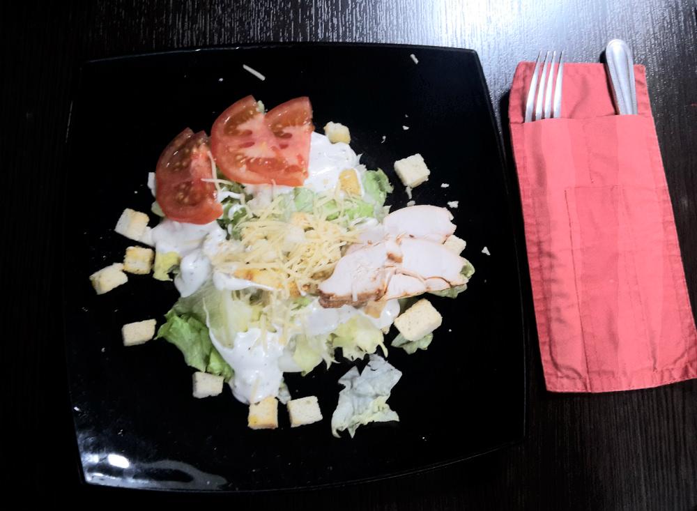Где в Саранске подают  b   съедобный     laquo Цезарь raquo   b  salad_caesar_milano