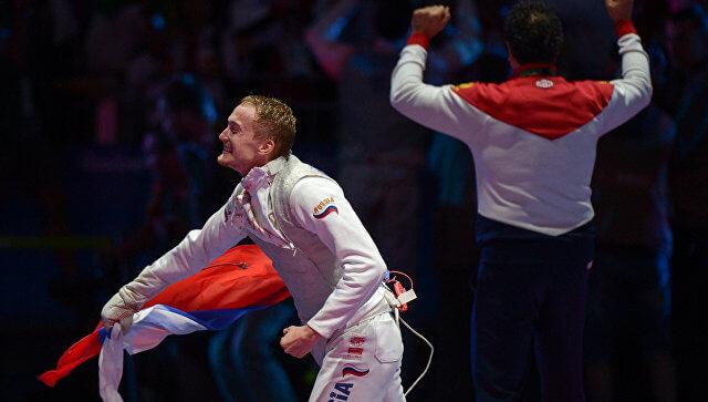 Артур Ахматхузин, 28 лет. Фехтовальщик, олимпийский чемпион 2016 года в командных соревнованиях в рапире. Начал тренироваться в 7 лет в Уфе // фото: rio2016.rsport.ru