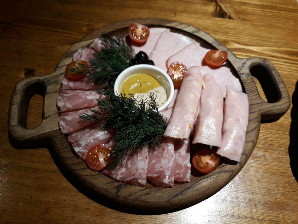 b Топ 10 мест  b  в Саранске  где можно заказать   мясную тарелку    photo_2017-12-15_12-26-42