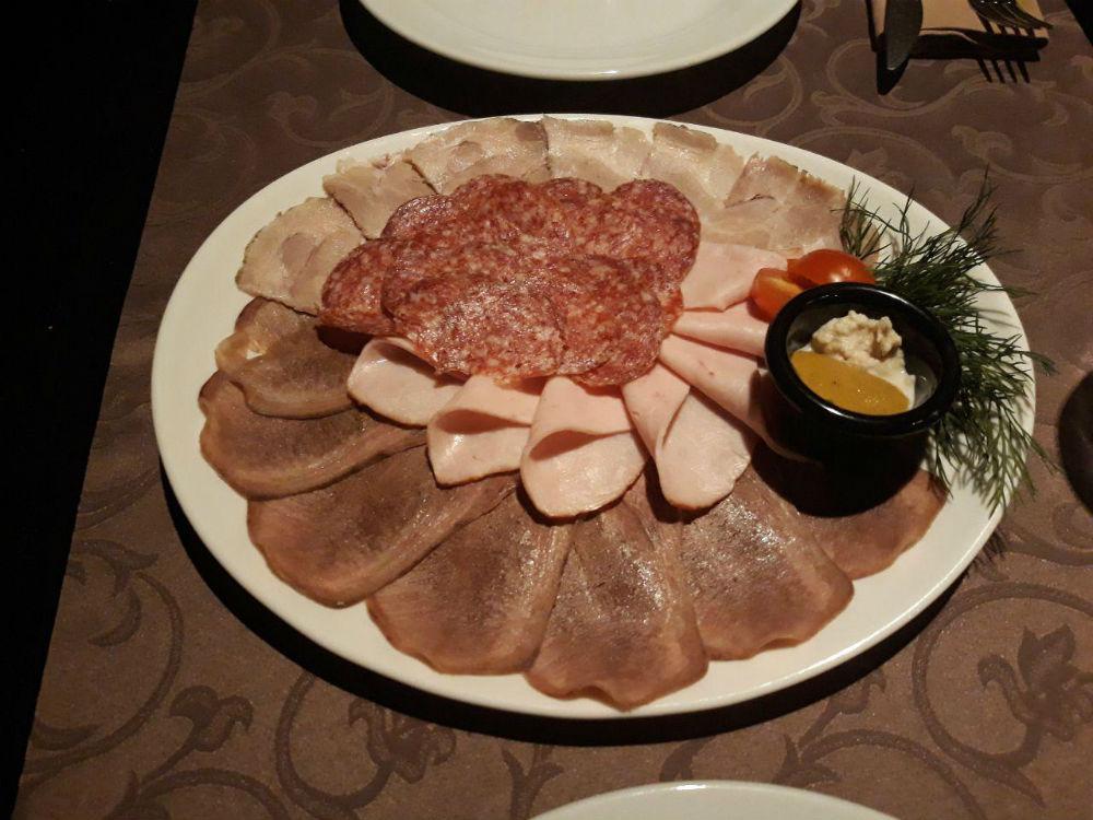 b Топ 10 мест  b  в Саранске  где можно заказать   мясную тарелку    photo_2017-12-15_12-26-47