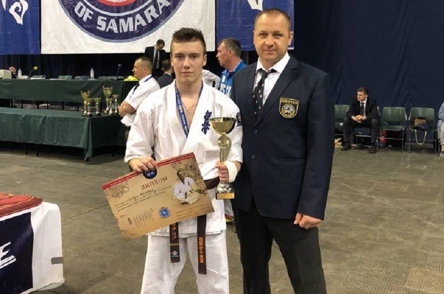 Александр Кубрин из Мордовии стал серебряным призером всероссийских соревнований по каратэ кёкусинкай «Кубок Шихана».