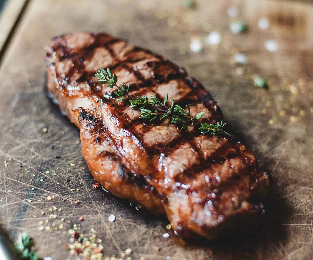 b Какие блюда  b  чаще всего заказывают в Саранске   i часть первая  i  steik