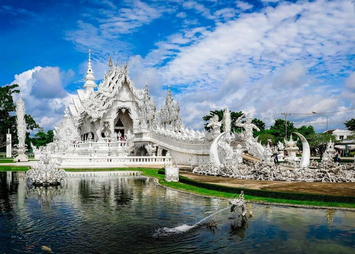 b Топ 8  b  вариантов  где купить   путёвку в лето    Белый Храм (Ват Ронг Кхун)
