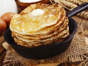 bliny-iaitsa-maslo-skovorodka