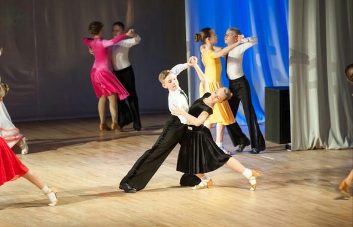 b Танцуют все  b   где в Саранске можно   научиться танцевать    fur