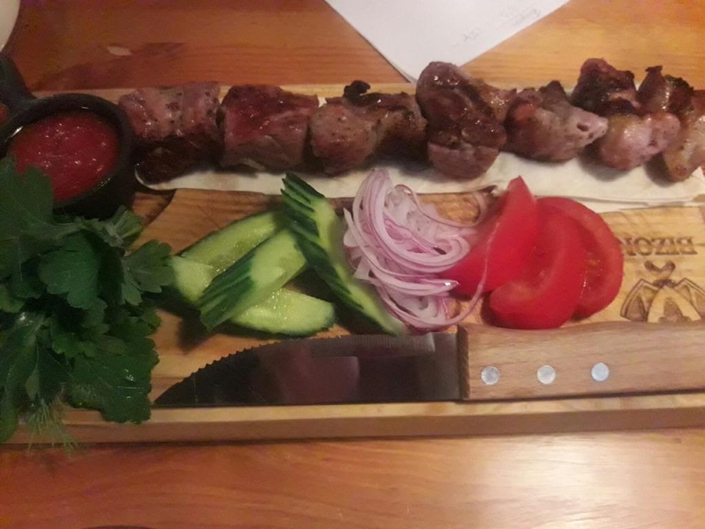 Ресторанный шашлык  топ 7 заведений Саранска  где можно попробовать   шашлык из свинины    bizon