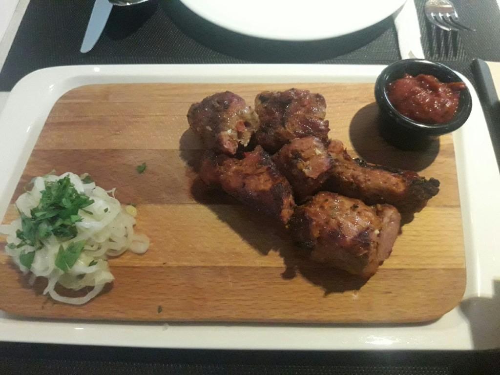 Ресторанный шашлык  топ 7 заведений Саранска  где можно попробовать   шашлык из свинины    rozmary