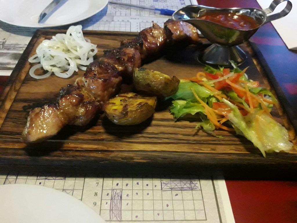 Ресторанный шашлык  топ 7 заведений Саранска  где можно попробовать   шашлык из свинины    sytyi-byk