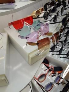 Солнцезащитные очки  где купить и что продают в салонах города lero1