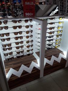 Солнцезащитные очки  где купить и что продают в салонах города noname