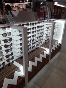Солнцезащитные очки  где купить и что продают в салонах города noname2