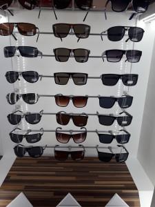 Солнцезащитные очки  где купить и что продают в салонах города noname4