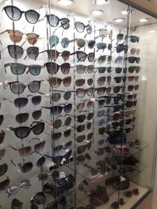Солнцезащитные очки  где купить и что продают в салонах города ochki_dlyavseh4