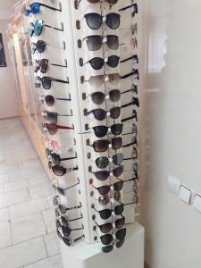 Солнцезащитные очки  где купить и что продают в салонах города optika