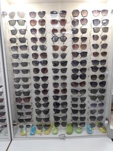 Солнцезащитные очки  где купить и что продают в салонах города optika_stil