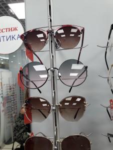 Солнцезащитные очки  где купить и что продают в салонах города prestig