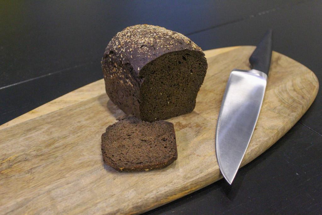 Буханка чёрного  кто производит ржаной хлеб для горожан и каков он на вкус botevgrad