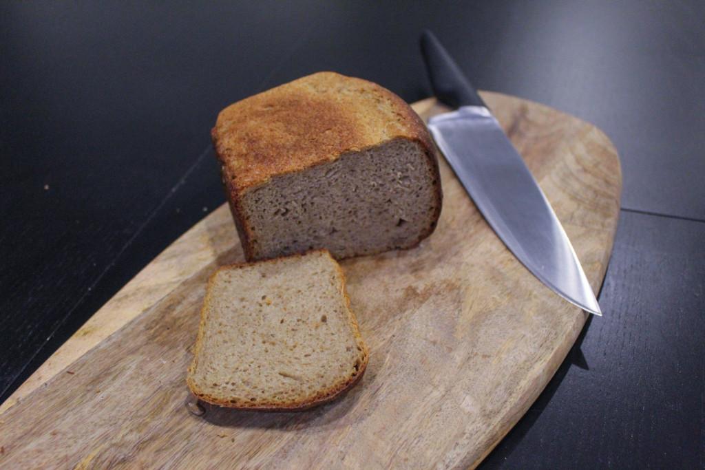 Буханка чёрного  кто производит ржаной хлеб для горожан и каков он на вкус hlebberi