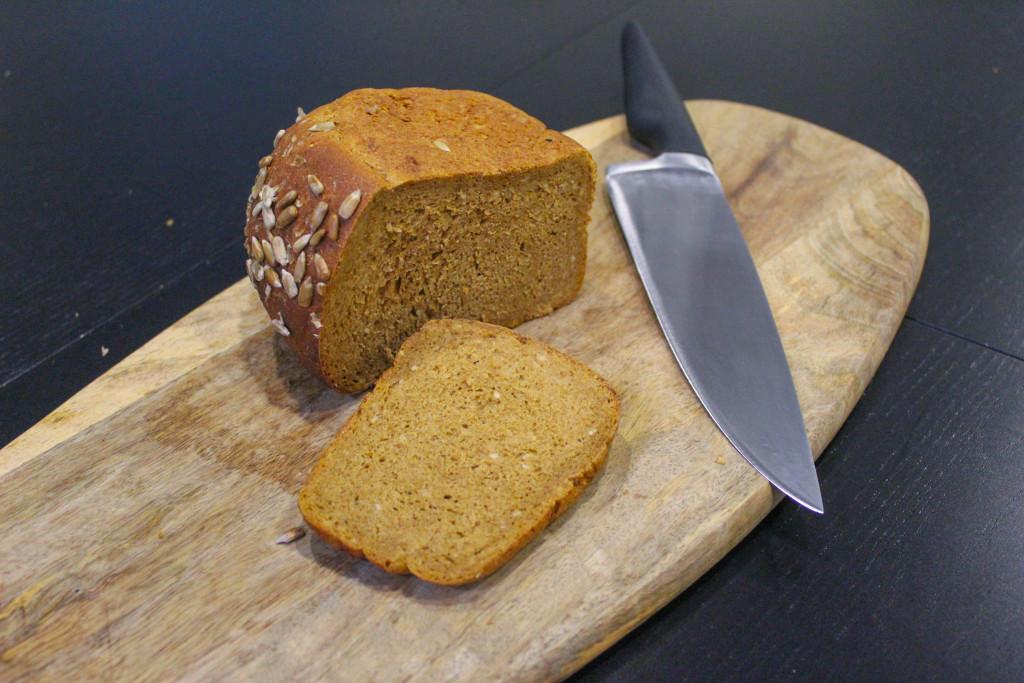 Буханка чёрного  кто производит ржаной хлеб для горожан и каков он на вкус lenta_solodovii