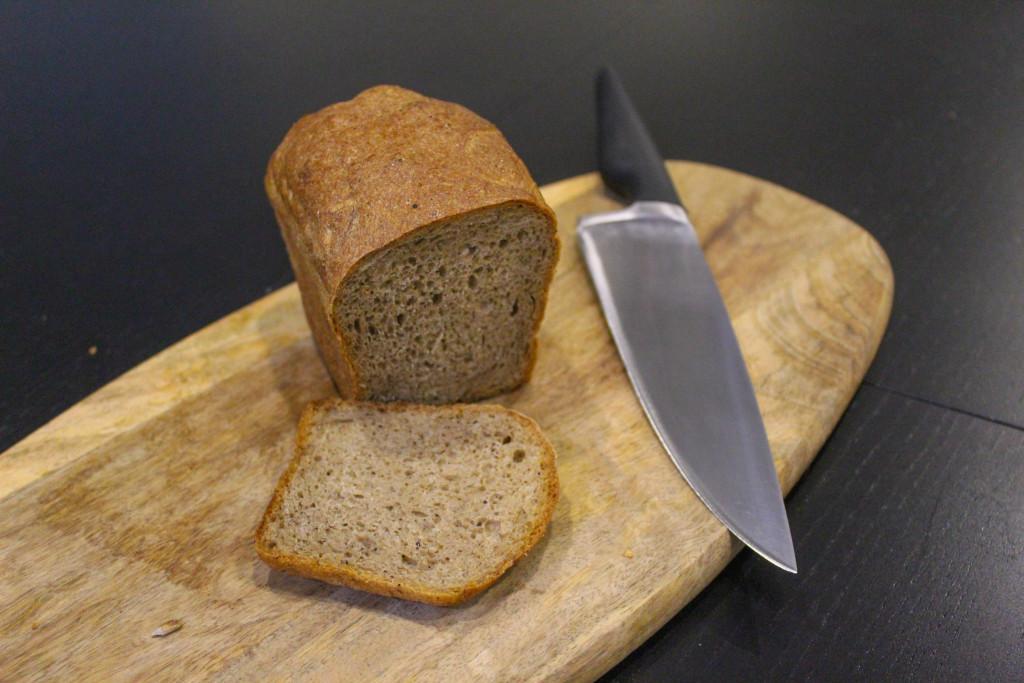 Буханка чёрного  кто производит ржаной хлеб для горожан и каков он на вкус magnit