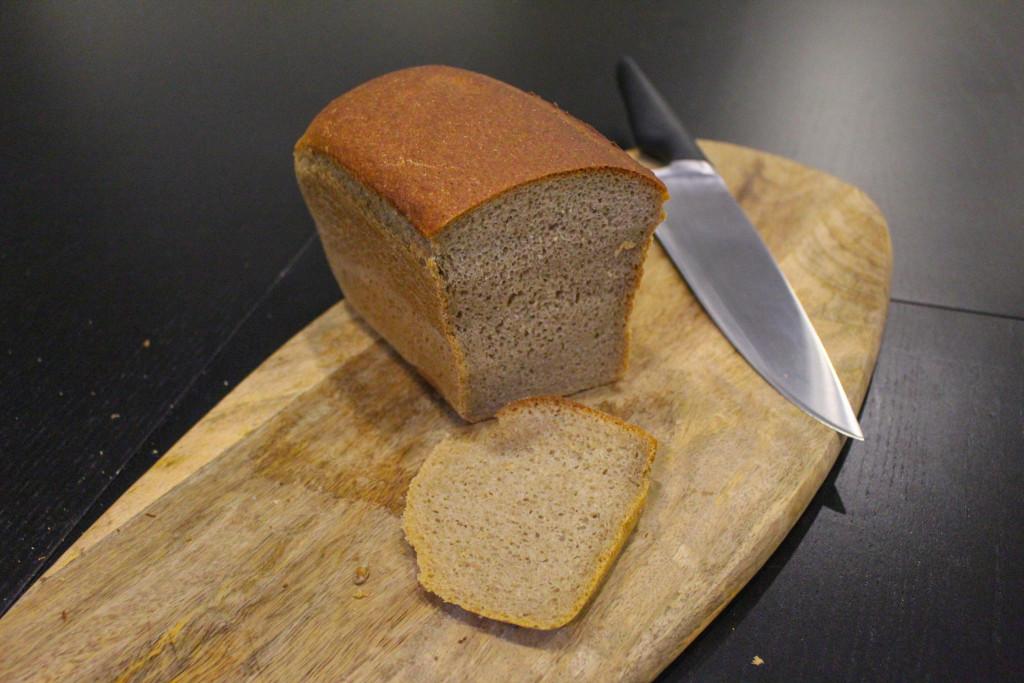 Буханка чёрного  кто производит ржаной хлеб для горожан и каков он на вкус pyaterochka