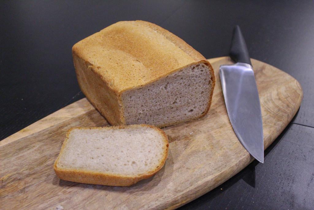 Буханка чёрного  кто производит ржаной хлеб для горожан и каков он на вкус staroshaigovo