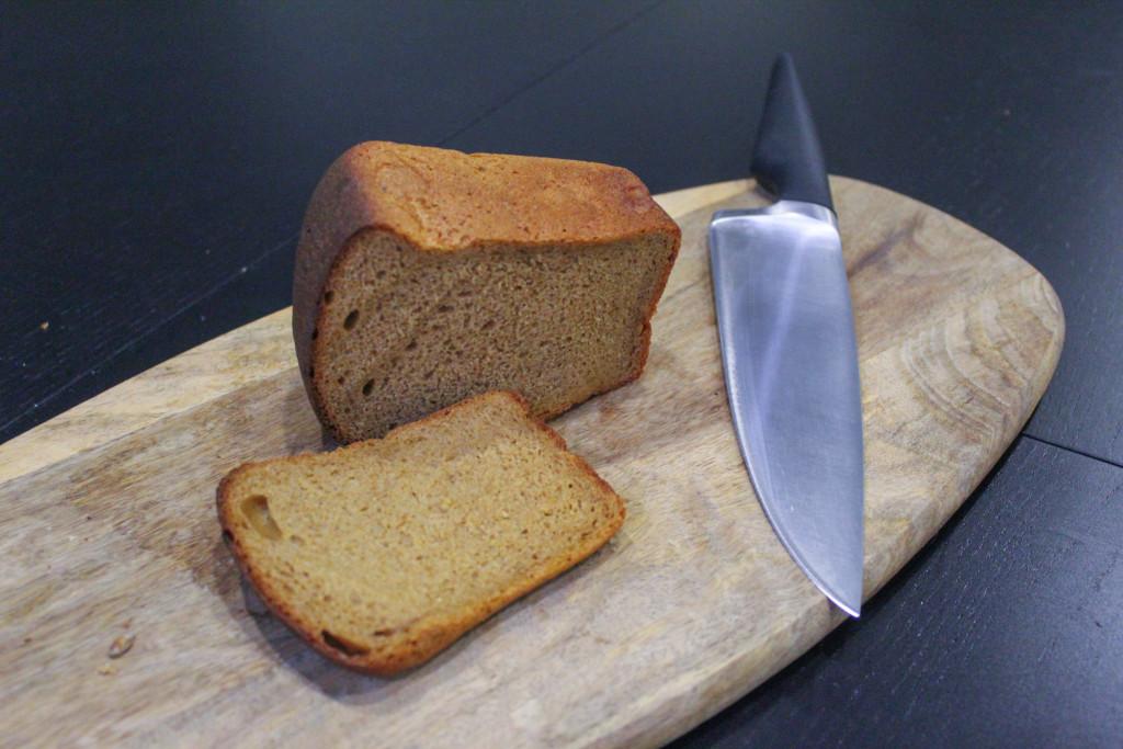 Буханка чёрного  кто производит ржаной хлеб для горожан и каков он на вкус vatrushka