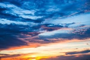 oblaka_zakat_nebo_119785_5472x3648